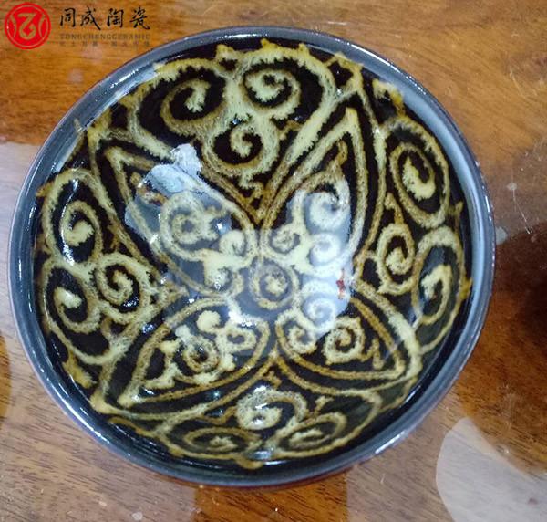 陶瓷颜料所用的主要原料是什么?